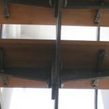 Holztritte auf Stahlkonstruktion